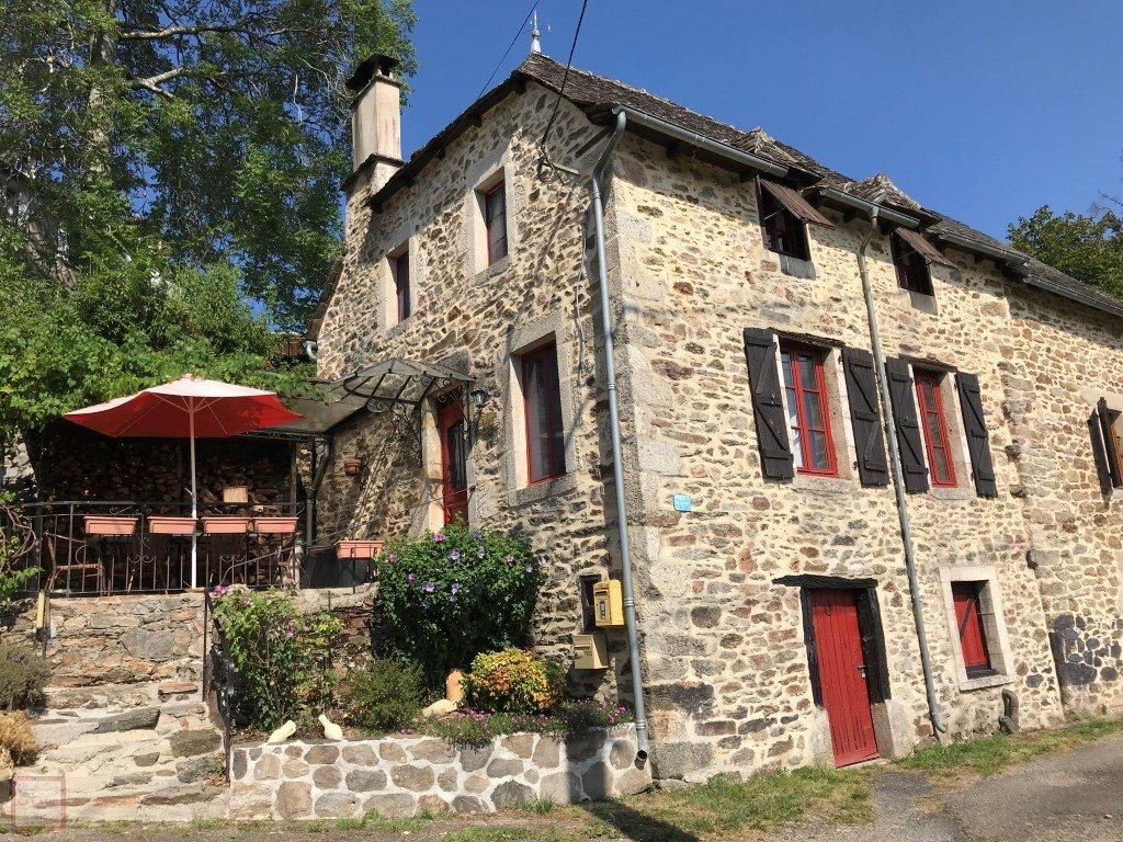 La beauté de la maison en pierre